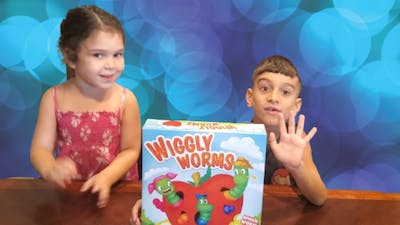 Wiggly Worms game