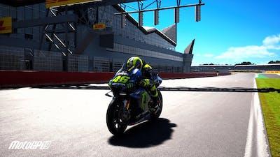 MotoGP 19 - Valentino Rossi on Silverstone